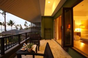 A balcony or terrace at Mercure Koh Chang Hideaway