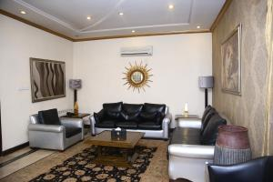 A seating area at Safari Club 2 Bahria Town