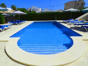 The swimming pool at or near Apartaments Marina Sol i Pins