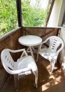 A balcony or terrace at Visegrád Vendégház-Apartman