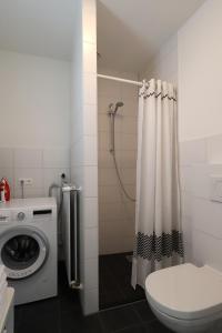 Een badkamer bij De Overtoom 68