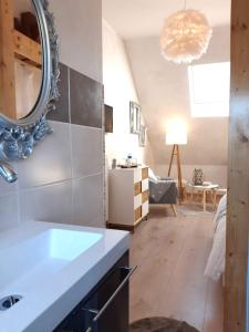 A bathroom at La Maison Rouge