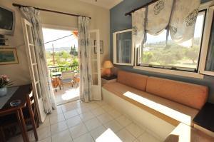 Χώρος καθιστικού στο Elena Apartments Corfu