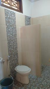 Ein Badezimmer in der Unterkunft allan Bungalow
