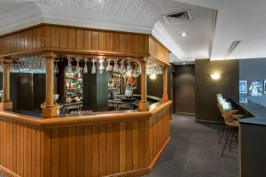 The lounge or bar area at Nesuto Pennant Hills