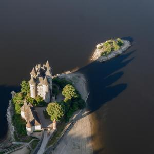 A bird's-eye view of Chateau De Val