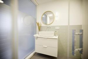 A bathroom at Villa Gold IV