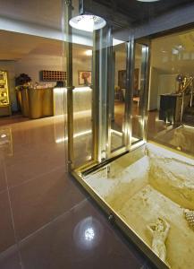 A bathroom at Principal New Leisure Hotel