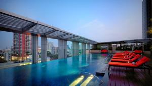 The swimming pool at or near Bangkok Marriott Hotel Sukhumvit