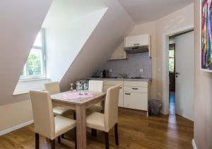 Küche/Küchenzeile in der Unterkunft Remise Thurn