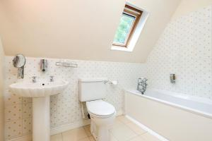 A bathroom at The Inn With The Well