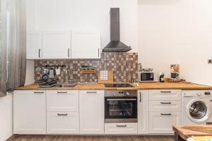 A kitchen or kitchenette at Apartment Mille