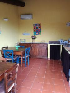 A kitchen or kitchenette at Agriturismo Il Colle
