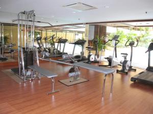 The fitness center and/or fitness facilities at Corus Hotel Kuala Lumpur