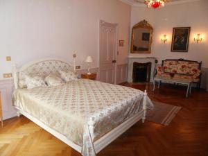 Un ou plusieurs lits dans un hébergement de l'établissement Château de la Motte