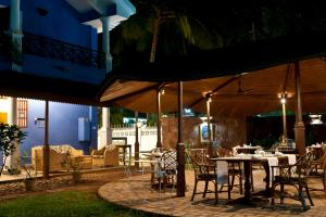 A restaurant or other place to eat at Presa di Goa - The Country House
