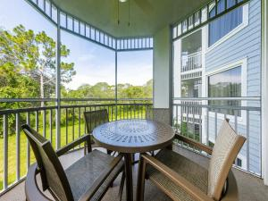 A balcony or terrace at Marriott's Cypress Harbour Villas