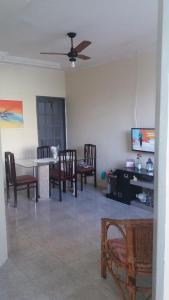 A seating area at Casa de 3 Quartos
