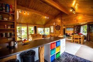 A kitchen or kitchenette at Tatahi Backpackers
