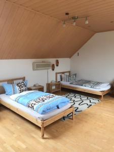 Ein Bett oder Betten in einem Zimmer der Unterkunft Monteurzimmer-Graf