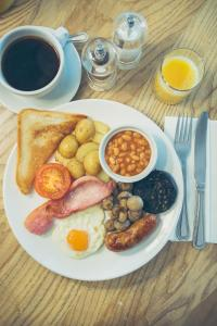 Breakfast options available to guests at George Hotel, Best Western Signature Collection