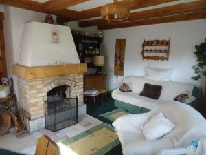 A seating area at Chalet Helena