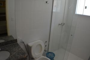 A bathroom at Condomínio Lacqua diRoma