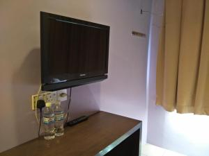 A television and/or entertainment center at Bary Inn, KLIA and KLIA2