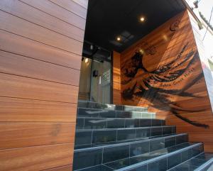 サクラクロスホテル新宿東にあるテレビまたはエンターテインメントセンター
