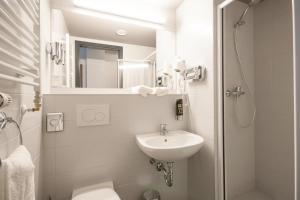 A bathroom at a&o Berlin Mitte