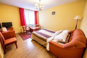 Кровать или кровати в номере Hotel Wald