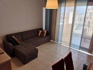 A seating area at Heraklion Center Sea View Flat