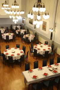 A restaurant or other place to eat at Hotel Lavica