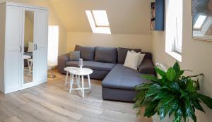 Ein Sitzbereich in der Unterkunft Ferienwohnung Bergblick Jena