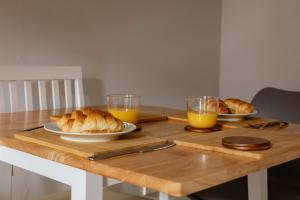 Breakfast options available to guests at Stirling Central Apartment