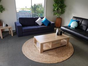 A seating area at Dromana Holiday Beach House