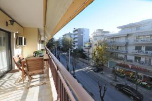 A balcony or terrace at F & B Collection - Apartment for 5