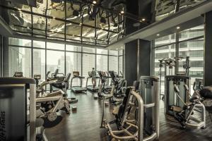 吉隆坡四季酒店健身房和/或健身器材