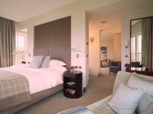 Cama o camas de una habitación en Rocco Forte The Charles Hotel
