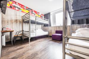 A bunk bed or bunk beds in a room at Euro Hostel Glasgow