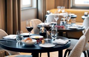 Een restaurant of ander eetgelegenheid bij Pillows Grand Boutique Hotel Place Rouppe Brussels