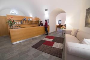 Hall o reception di Hotel Cavour Et Des Officiers