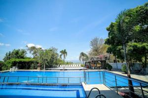 The swimming pool at or close to Centauria Wild