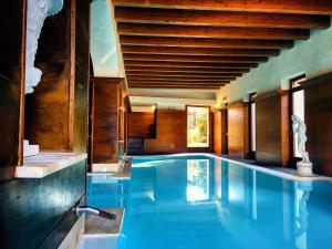The swimming pool at or near Villa Las Tronas Hotel & SPA