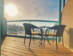 A balcony or terrace at Sur La Mer Hotel Ashdod