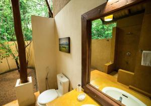 A bathroom at Back of Beyond - Pidurangala