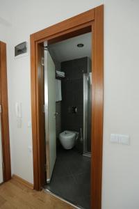 حمام في أبارت هوم