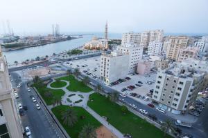 منظر Al Hamra Hotel - BAITHANS من الأعلى