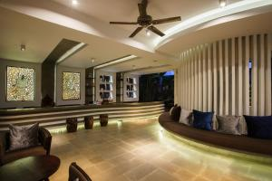 The lobby or reception area at Apsara Residence Hotel