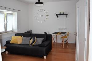 Een zitgedeelte bij dostupný soukromý byt v Praze